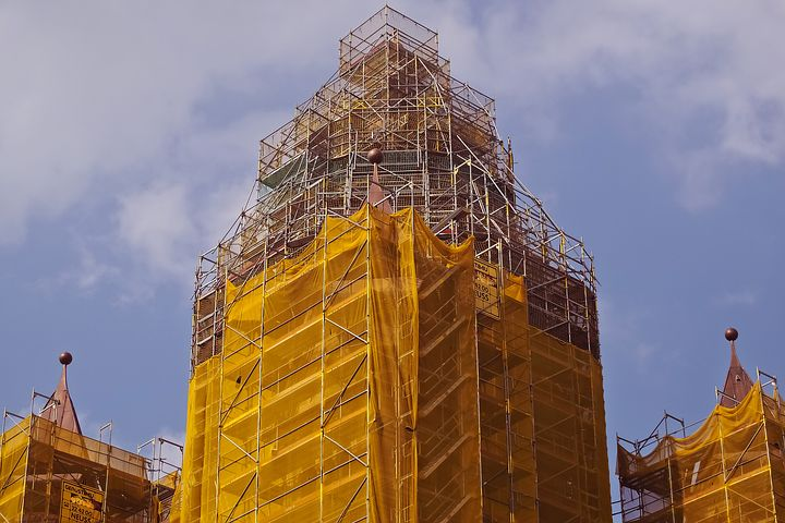 How to Decide if You Should Purchase or Rent Scaffoldings