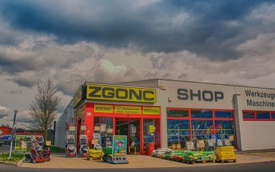 How Should a Hardware Shop Be?