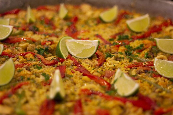 How to Find Competitive Paella Catering Prices